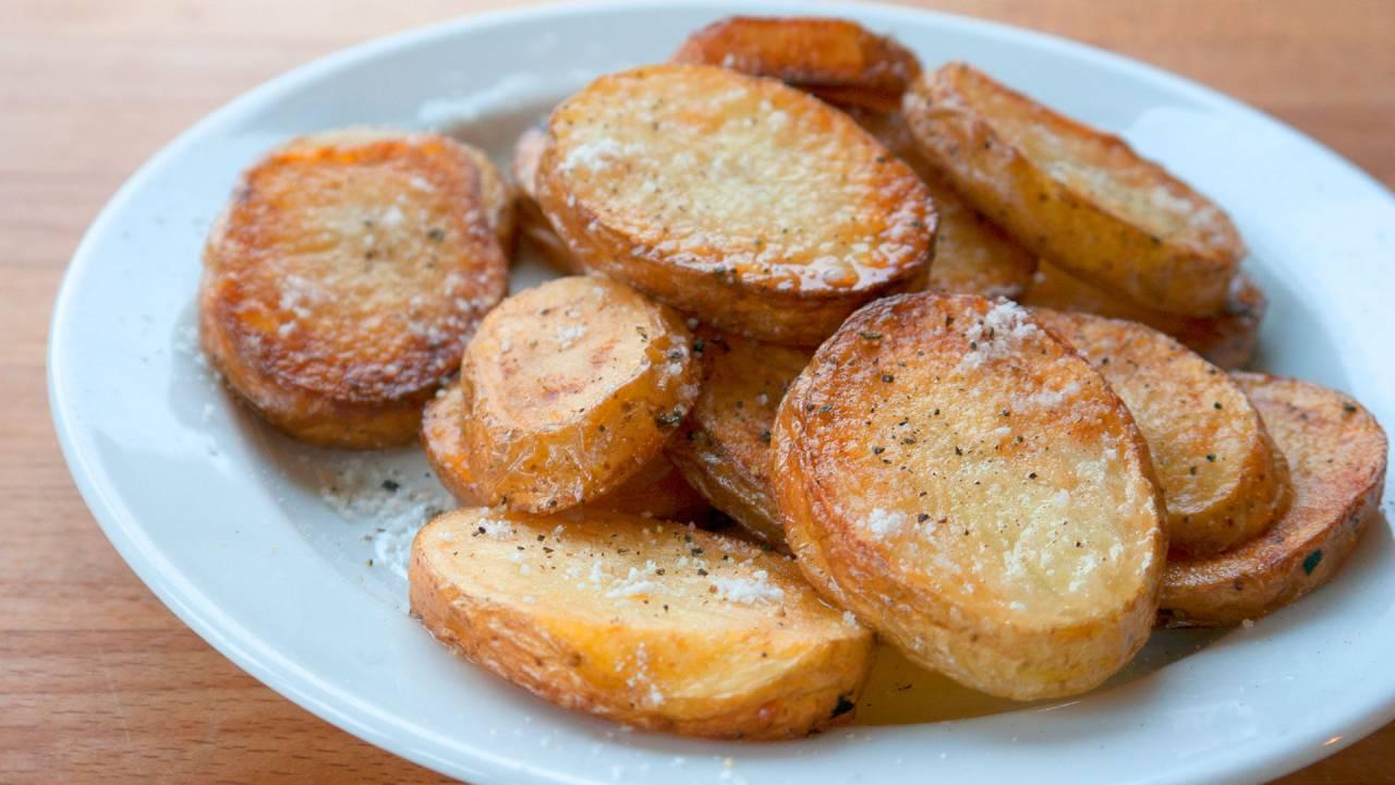 Pan Fried Potatoes Cottage Potatoes Www Kvalifood Com